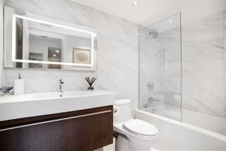 """Photo 14: 305 1228 MARINASIDE Crescent in Vancouver: Yaletown Condo for sale in """"CRESTMARK II"""" (Vancouver West)  : MLS®# R2431843"""