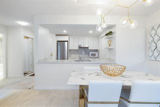 """Photo 8: 305 1228 MARINASIDE Crescent in Vancouver: Yaletown Condo for sale in """"CRESTMARK II"""" (Vancouver West)  : MLS®# R2431843"""