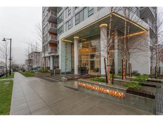 Photo 1: 407 530 Whiting Way in Coquitlam: West Coquitlam Condo for sale : MLS®# R2433714
