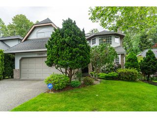 "Photo 3: 8678 141 Street in Surrey: Bear Creek Green Timbers House for sale in ""BROOKSIDE ESTATES"" : MLS®# R2456645"