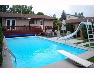 Photo 2: 26 Whitetail Drive in WINNIPEG: Charleswood Residential for sale (South Winnipeg)  : MLS®# 2916142