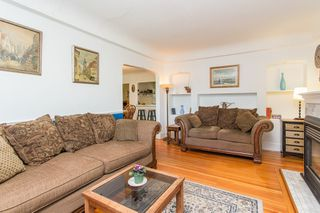 Photo 3: 949 HARRIS Avenue in Coquitlam: Maillardville House for sale : MLS®# R2476329