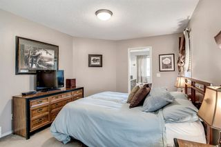 Photo 13: 736 PRESTWICK Circle SE in Calgary: McKenzie Towne Detached for sale : MLS®# A1033213