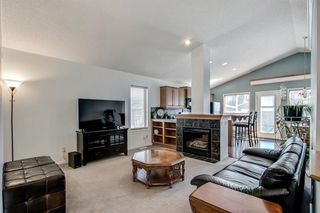 Photo 10: 736 PRESTWICK Circle SE in Calgary: McKenzie Towne Detached for sale : MLS®# A1033213