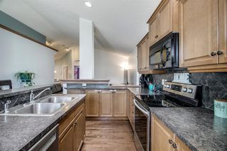 Photo 5: 736 PRESTWICK Circle SE in Calgary: McKenzie Towne Detached for sale : MLS®# A1033213