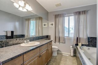 Photo 14: 736 PRESTWICK Circle SE in Calgary: McKenzie Towne Detached for sale : MLS®# A1033213