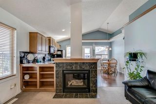 Photo 8: 736 PRESTWICK Circle SE in Calgary: McKenzie Towne Detached for sale : MLS®# A1033213