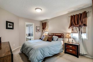 Photo 12: 736 PRESTWICK Circle SE in Calgary: McKenzie Towne Detached for sale : MLS®# A1033213