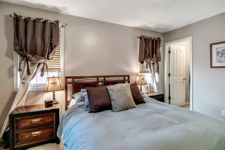 Photo 11: 736 PRESTWICK Circle SE in Calgary: McKenzie Towne Detached for sale : MLS®# A1033213
