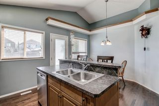 Photo 6: 736 PRESTWICK Circle SE in Calgary: McKenzie Towne Detached for sale : MLS®# A1033213