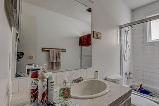 Photo 12: 352 Deerview Drive SE in Calgary: Deer Ridge Detached for sale : MLS®# A1043730
