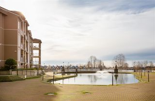 """Photo 6: 518 10 RENAISSANCE Square in New Westminster: Quay Condo for sale in """"MURANO LOFTS"""" : MLS®# R2514767"""