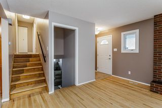 Photo 2: 608 Willacy Drive SE in Calgary: Willow Park Detached for sale : MLS®# A1050257