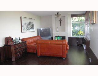 "Photo 4: 405 9288 UNIVERSITY Crescent in Burnaby: Simon Fraser Univer. Condo for sale in ""NOVO"" (Burnaby North)  : MLS®# V788578"
