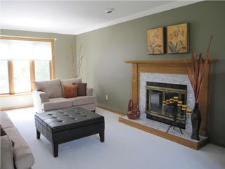 Photo 2: 6303 SOUTHBOINE Drive in WINNIPEG: Charleswood Residential for sale (South Winnipeg)  : MLS®# 1016032