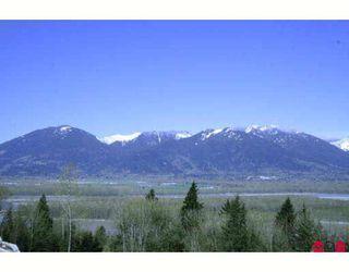 "Photo 2: 27 43540 ALAMEDA Drive in Chilliwack: Chilliwack Mountain Townhouse for sale in ""RETRIEVER RIDGE"" : MLS®# H2805190"