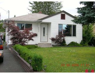 Main Photo: 46027 RIVERSIDE Drive in Chilliwack: Chilliwack N Yale-Well House for sale : MLS®# H2902729