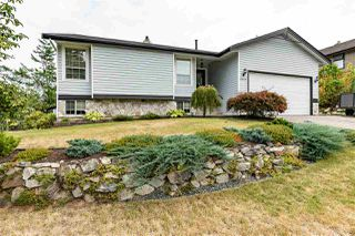 "Photo 1: 2372 MOUNTAIN Drive in Abbotsford: Abbotsford East House for sale in ""MOUNTAIN VILLAGE"" : MLS®# R2405999"