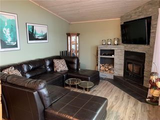 Photo 6: 28 Dobals Road North in Lac Du Bonnet RM: Lee River Estates Residential for sale (R28)  : MLS®# 202009677