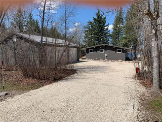Photo 23: 28 Dobals Road North in Lac Du Bonnet RM: Lee River Estates Residential for sale (R28)  : MLS®# 202009677