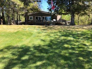 Photo 3: 28 Dobals Road North in Lac Du Bonnet RM: Lee River Estates Residential for sale (R28)  : MLS®# 202009677