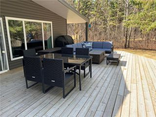 Photo 17: 28 Dobals Road North in Lac Du Bonnet RM: Lee River Estates Residential for sale (R28)  : MLS®# 202009677