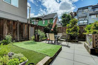 "Photo 4: 105 2110 CORNWALL Avenue in Vancouver: Kitsilano Condo for sale in ""Seagate Villa"" (Vancouver West)  : MLS®# R2467038"
