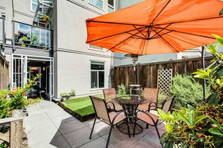 "Photo 3: 105 2110 CORNWALL Avenue in Vancouver: Kitsilano Condo for sale in ""Seagate Villa"" (Vancouver West)  : MLS®# R2467038"