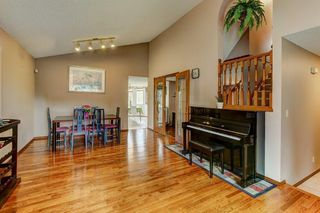 Photo 4: 723 MACEWAN VALLEY Road NW in Calgary: MacEwan Glen Detached for sale : MLS®# C4305299