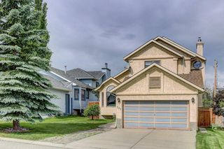 Photo 2: 723 MACEWAN VALLEY Road NW in Calgary: MacEwan Glen Detached for sale : MLS®# C4305299