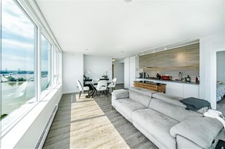 "Photo 4: 2409 988 QUAYSIDE Drive in New Westminster: Quay Condo for sale in ""QUAY"" : MLS®# R2485864"
