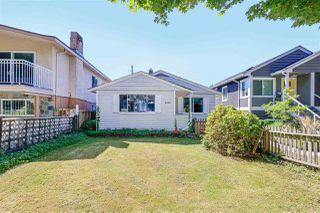 Photo 1: 5059 SHERBROOKE Street in Vancouver: Knight House for sale (Vancouver East)  : MLS®# R2494854