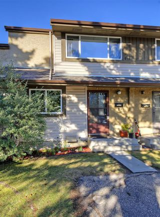Photo 31: 14 310 BROOKMERE Road SW in Calgary: Braeside Row/Townhouse for sale : MLS®# A1031806