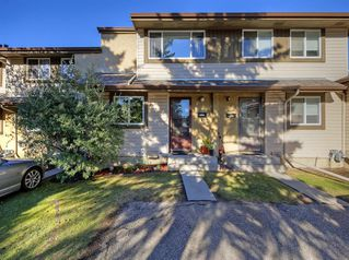 Photo 32: 14 310 BROOKMERE Road SW in Calgary: Braeside Row/Townhouse for sale : MLS®# A1031806