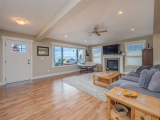 """Photo 12: 5537 PEREGRINE Crescent in Sechelt: Sechelt District House for sale in """"Silverstone Heights"""" (Sunshine Coast)  : MLS®# R2499583"""
