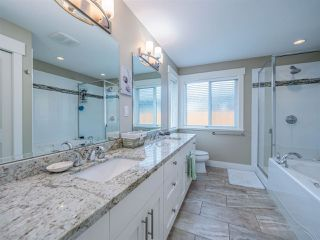 """Photo 15: 5537 PEREGRINE Crescent in Sechelt: Sechelt District House for sale in """"Silverstone Heights"""" (Sunshine Coast)  : MLS®# R2499583"""