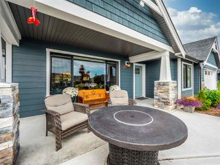 """Photo 4: 5537 PEREGRINE Crescent in Sechelt: Sechelt District House for sale in """"Silverstone Heights"""" (Sunshine Coast)  : MLS®# R2499583"""