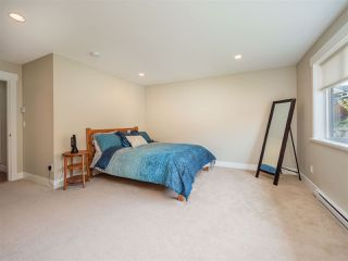 """Photo 14: 5537 PEREGRINE Crescent in Sechelt: Sechelt District House for sale in """"Silverstone Heights"""" (Sunshine Coast)  : MLS®# R2499583"""