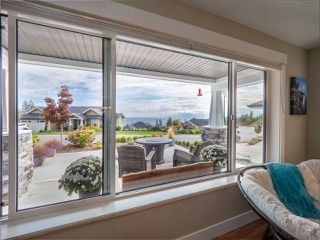 """Photo 16: 5537 PEREGRINE Crescent in Sechelt: Sechelt District House for sale in """"Silverstone Heights"""" (Sunshine Coast)  : MLS®# R2499583"""