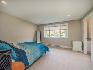 """Photo 13: 5537 PEREGRINE Crescent in Sechelt: Sechelt District House for sale in """"Silverstone Heights"""" (Sunshine Coast)  : MLS®# R2499583"""