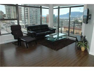 "Photo 3: 607 1068 W BROADWAY in Vancouver: Fairview VW Condo for sale in ""THE ZONE"" (Vancouver West)  : MLS®# V851960"