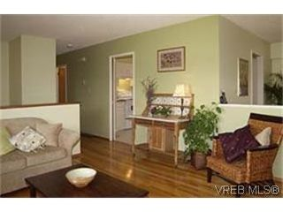 Photo 3: 10301 Menagh Pl in SIDNEY: Si Sidney North-East House for sale (Sidney)  : MLS®# 428314