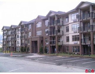 """Photo 1: 203 45753 STEVENSON Road in Sardis: Sardis East Vedder Rd Condo for sale in """"PARK PLACE 2"""" : MLS®# H2900141"""
