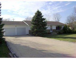 Photo 1: 120 BRACKEN Avenue in WINNIPEG: Birdshill Area Residential for sale (North East Winnipeg)  : MLS®# 2901808