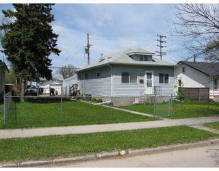 Photo 1: 99 CLONARD Avenue in WINNIPEG: St Vital Single Family Detached for sale (South East Winnipeg)  : MLS®# 2909421