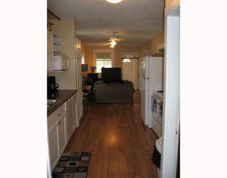 Photo 2: 99 CLONARD Avenue in WINNIPEG: St Vital Single Family Detached for sale (South East Winnipeg)  : MLS®# 2909421