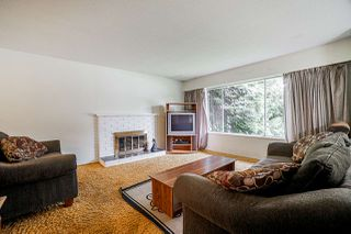 Photo 2: 9110 128 Street in Surrey: Queen Mary Park Surrey House for sale : MLS®# R2458041