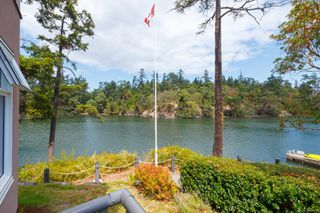 Photo 14: 4 1083 Tillicum Rd in : Es Kinsmen Park Condo for sale (Esquimalt)  : MLS®# 851611