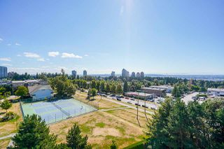 """Photo 11: 805 6622 SOUTHOAKS Crescent in Burnaby: Highgate Condo for sale in """"The Gibraltar"""" (Burnaby South)  : MLS®# R2488698"""