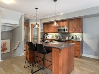 Photo 8: 502 10 Discovery Ridge Hill SW in Calgary: Discovery Ridge Row/Townhouse for sale : MLS®# A1050015